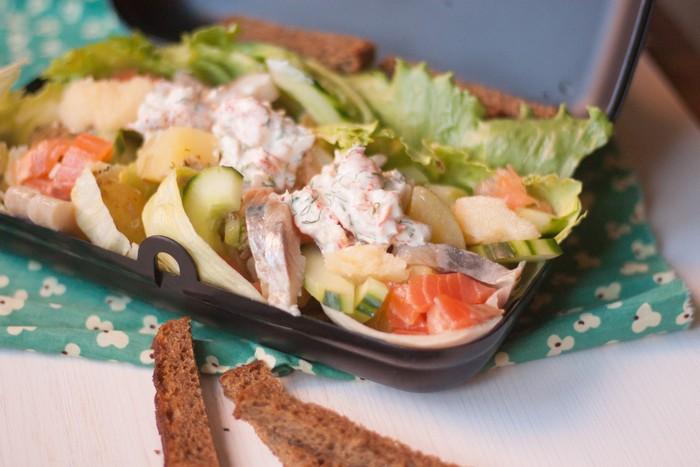 Скандинавский салат скаген готов