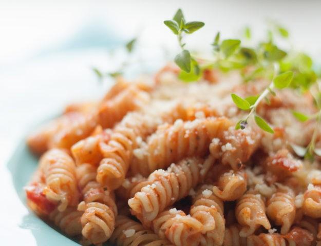 Рецепты из кладовки: паста с пряными травами