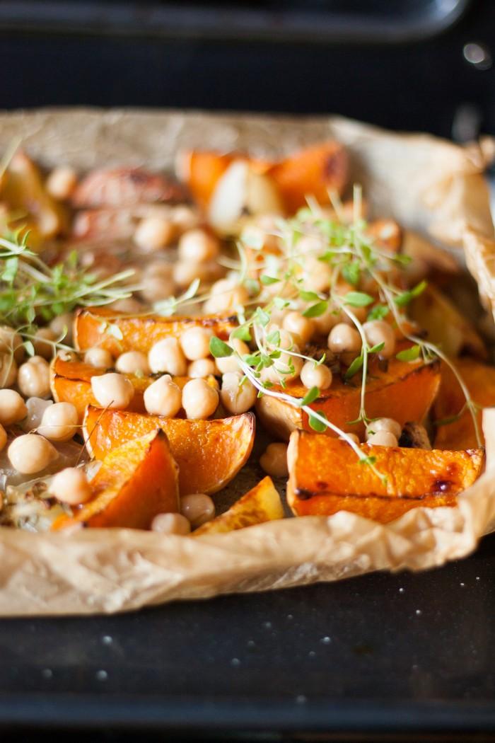 Горячий деревенский салат: добавляем нут