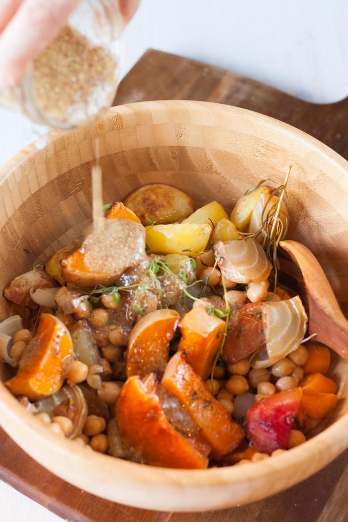 Горячий деревенский салат: заправка