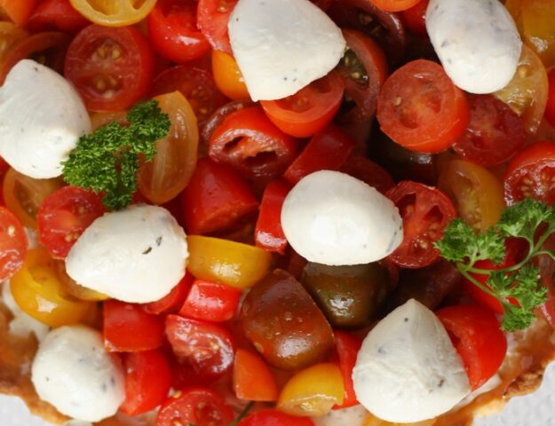 Пирог с томатами: яркий