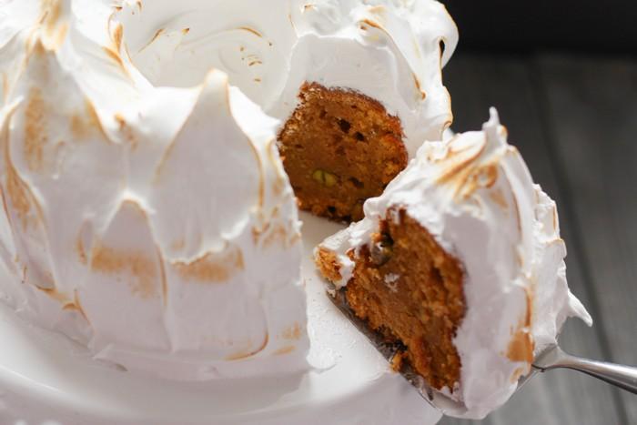 Пирог с бататом и орехами: лакомый кусок