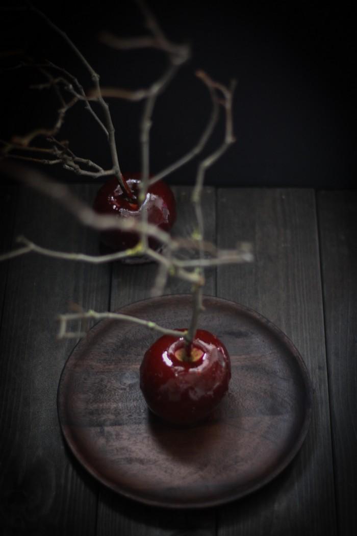 Яблоки в карамели: сладкое наслаждение