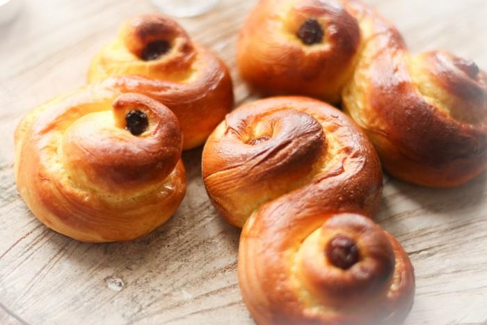 Шафрановые булочки: рецепт на сайте