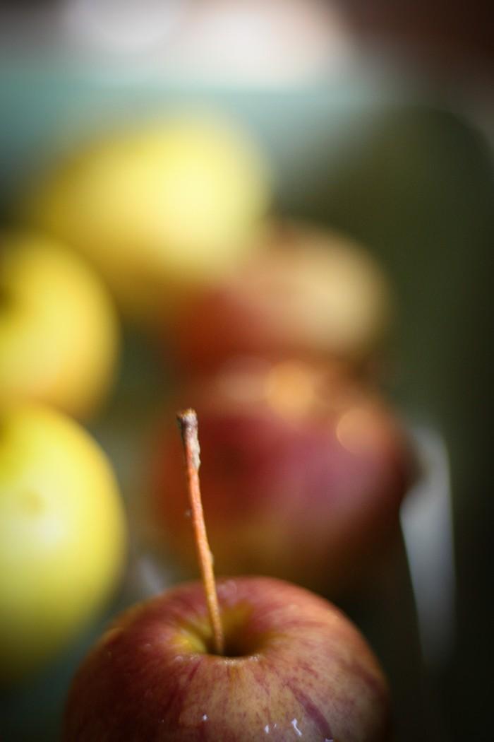 Павлова с яблоками