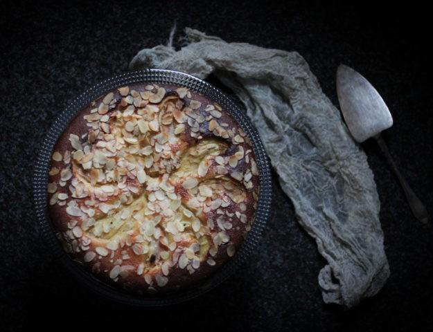 Грушево-миндальный пирог